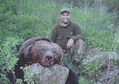 photo_166_grizzly-bear-guided-hunting-trips-in-british-columbia