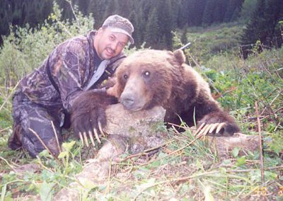 photo_167_grizzly-bear-guided-hunting-trips-in-british-columbia