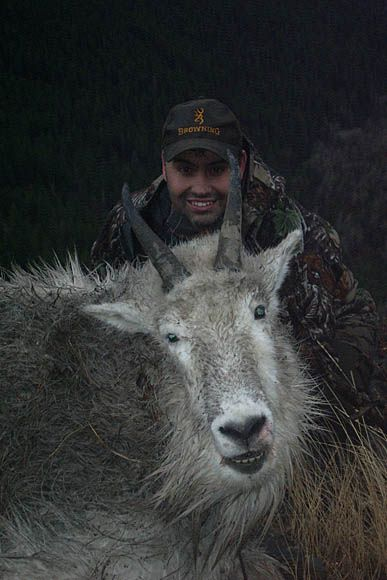 photo_169_goat-guided-hunting-trips-in-british-columbia