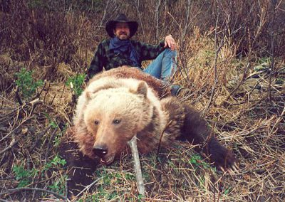 photo_170_grizzly-bear-guided-hunting-trips-in-british-columbia