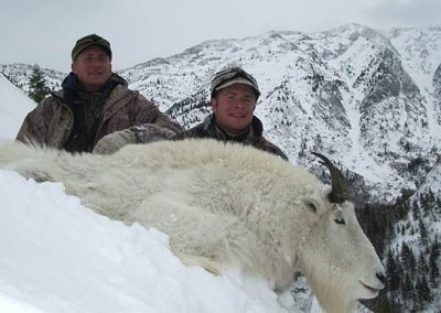 photo_195_goat-guided-hunting-trips-in-british-columbia