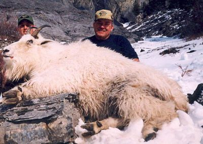 photo_199_goat-guided-hunting-trips-in-british-columbia