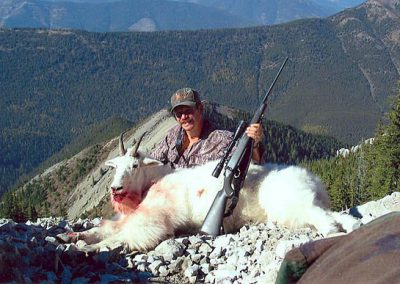 photo_200_goat-guided-hunting-trips-in-british-columbia