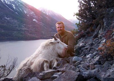 photo_252_goat-guided-hunting-trips-in-british-columbia