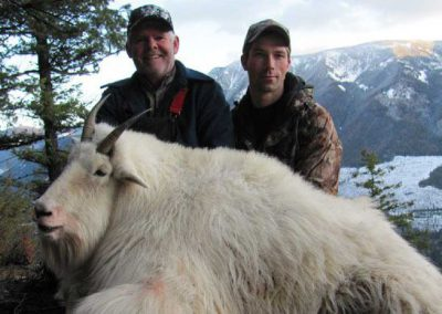photo_351_goat-guided-hunting-trips-in-british-columbia