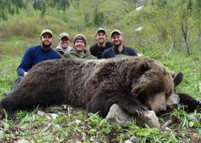 photo_354_grizzly-bear-guided-hunting-trips-in-british-columbia